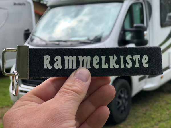 Camping Schlüsselanhänger - Rammelkiste - Schwarz